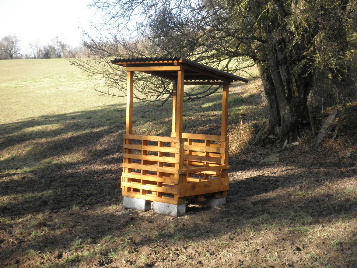 vos ratelier a foin 5 forum cheval. Black Bedroom Furniture Sets. Home Design Ideas