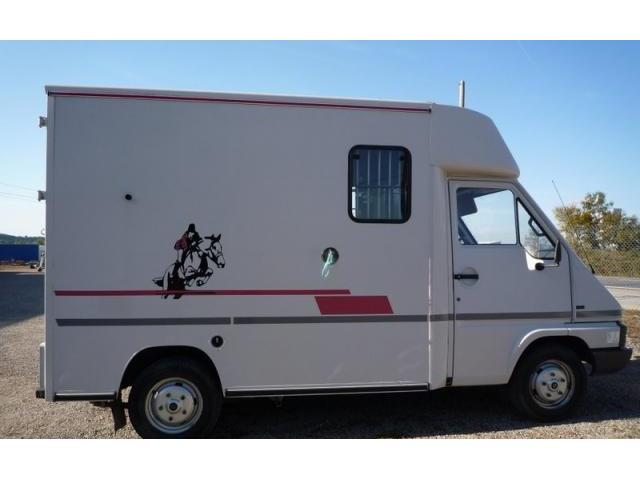 renault master t35 caisse th ault 2 chevaux aix en provence. Black Bedroom Furniture Sets. Home Design Ideas