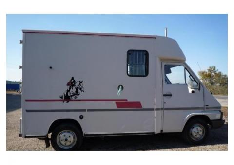 RENAULT MASTER T35 Caisse Th�ault 2 Chevaux