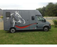 Camion chevaux vl renault master dci 150
