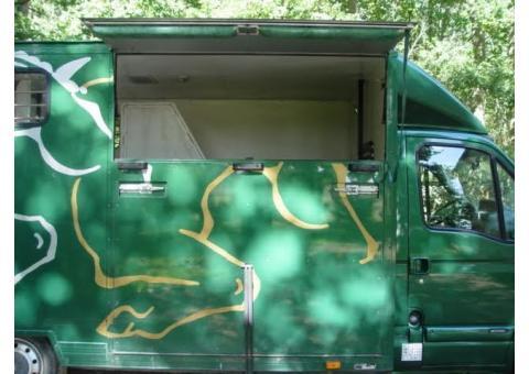 Camion 2 chevaux excellent état carrossé en 2007
