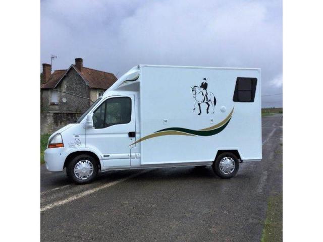 camion chevaux 2 places renault master confort 120 cv langeac. Black Bedroom Furniture Sets. Home Design Ideas
