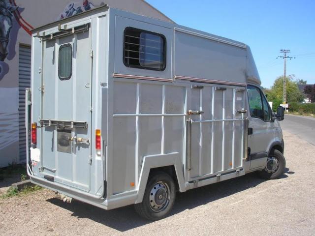 camion vl renault master 2 chevaux soyaux. Black Bedroom Furniture Sets. Home Design Ideas