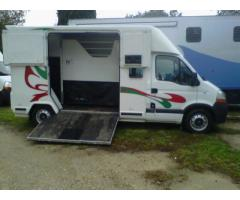 CAMION VL CHEVAUX BARBOT RENAUL MASTER 150 CV