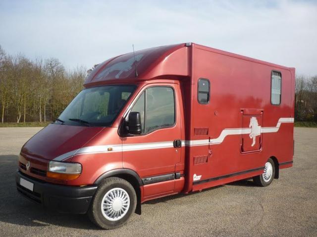 camion vl pour transporter 2 chevaux biscarrosse. Black Bedroom Furniture Sets. Home Design Ideas