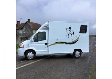 Camion Chevaux 2 places Renault Master Confort 120 CV