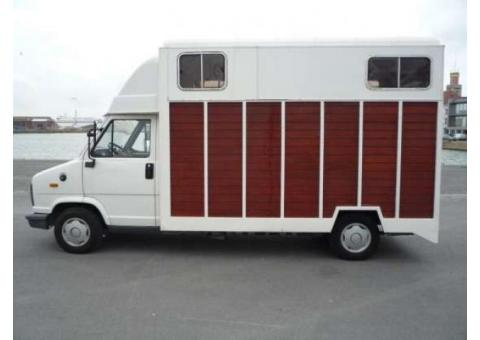 Camion 2 chevaux Vl Peugeot J5
