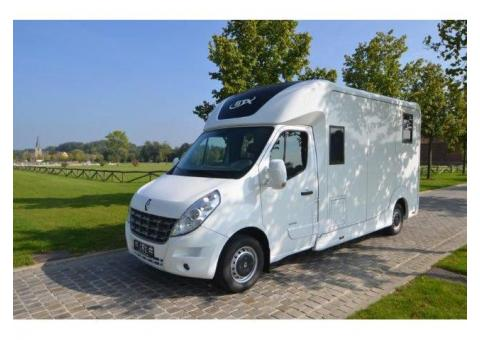 Utilitaire chevaux renault master 150 DCI