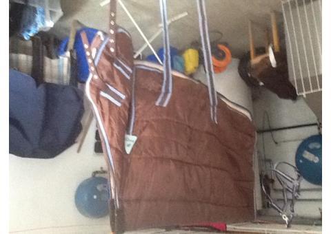 Doudoune brune et bleue pour poney, taille 115
