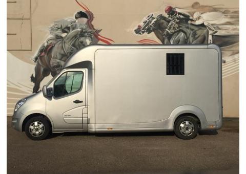 Renault master 2.5 dci pour transport de 2 chevaux