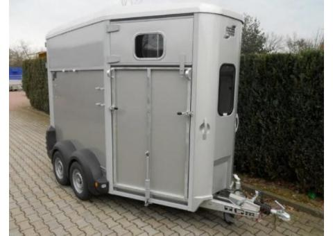 VAN IFOR WILLIAMS HB 506 2 CHEVAUX ANNEE 2015