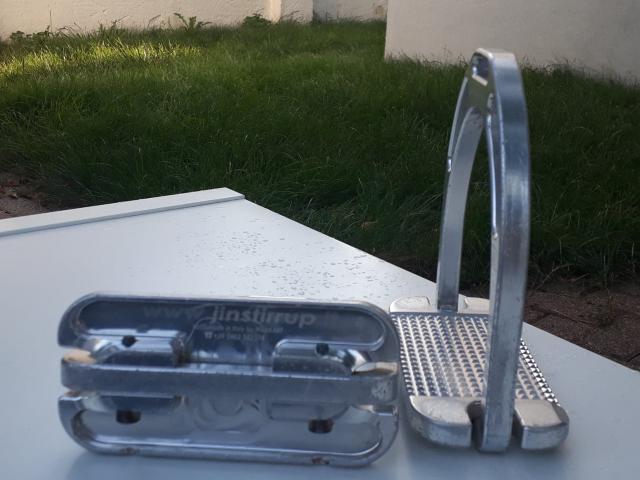 Etriers Jin Stirrup Aluminium