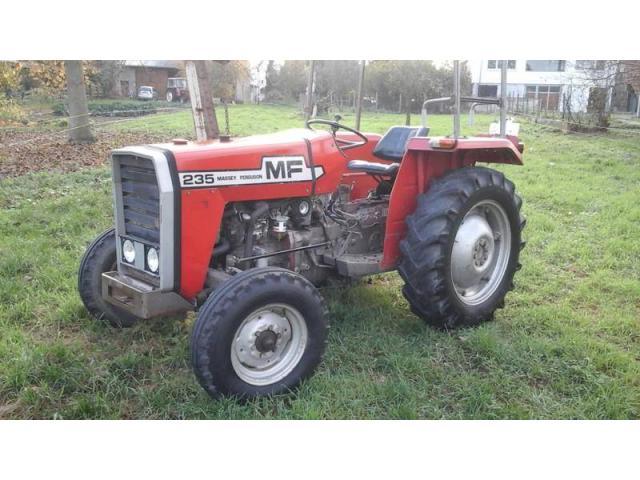 tracteur agricole massey ferguson mf 235 annonay. Black Bedroom Furniture Sets. Home Design Ideas