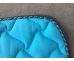Tapis poney bleu