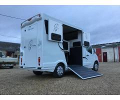 Camion transport chevaux L2