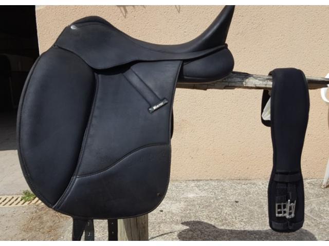 A vendre Selle Dressage WINTEC