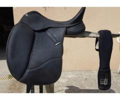 A vendre Selle Dressage WINTEC