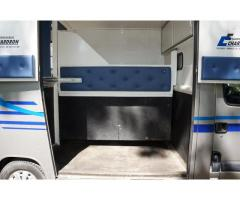 Camion VL Chevaux RENAULT MASTER 120 cv