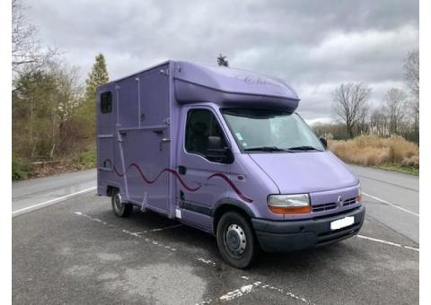 Camion  VL Renault Master 2 places chevaux