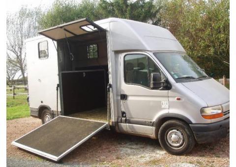 Camion VL Renault Master pour 2 Chevaux