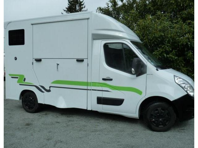 camion chevaux renault master 2 places 125 cv gardanne. Black Bedroom Furniture Sets. Home Design Ideas